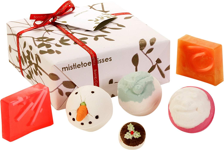 Bomb Cosmetics Mistletoe Kiss Handmade Gift Pack