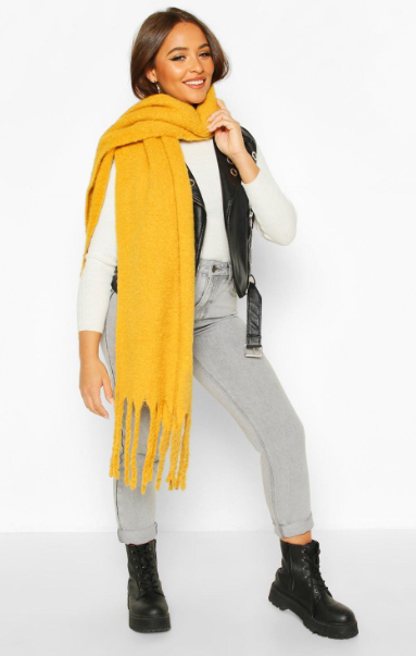 Chunky Oversized Fringe Scarf on boohoo